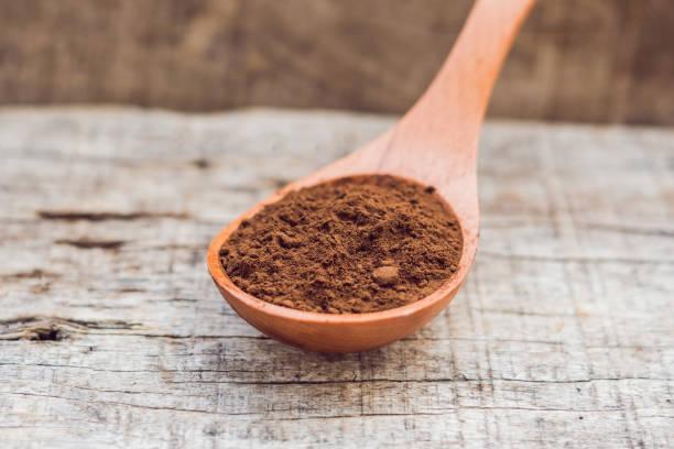 hacer harina de algarroba