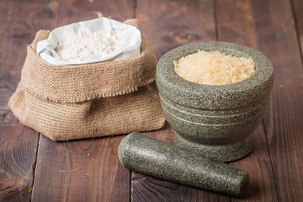 granos y harina de arroz