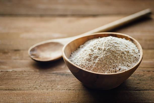 harina de avena en bol