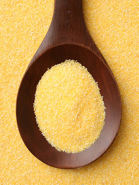 harina de maiz en cuchara