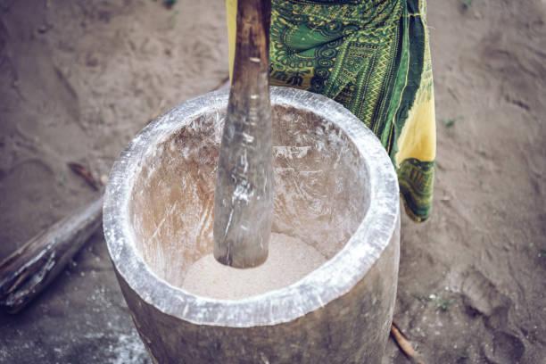 hacer harina de yuca