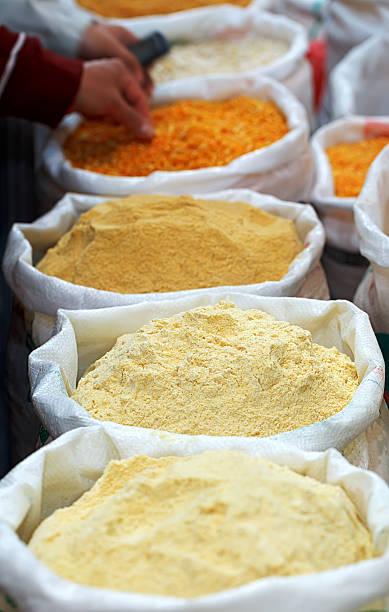 platos con harina de lentejas